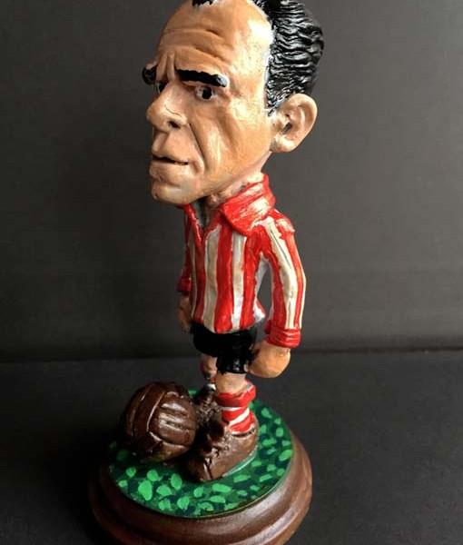 Figura del jugador de athletic de Bilbao Zarra, la mejor cabeza de Europa tras Churchill.
